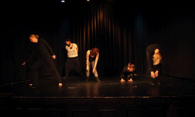 Tanzimprovisation trifft Tanztheater